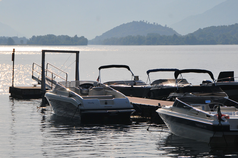 boat places hotel lake Como